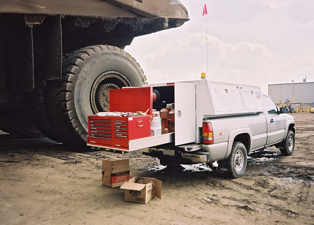 Roll Up Bed >> Oilfield Truck Cargo Beds and Accessories | Cargo Bed